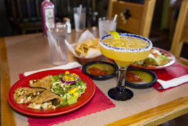 Welcoming Fort Wayne's Dining Guide highlights restaurants like El Azteca Mexican Restaurant and Tequila Bar.