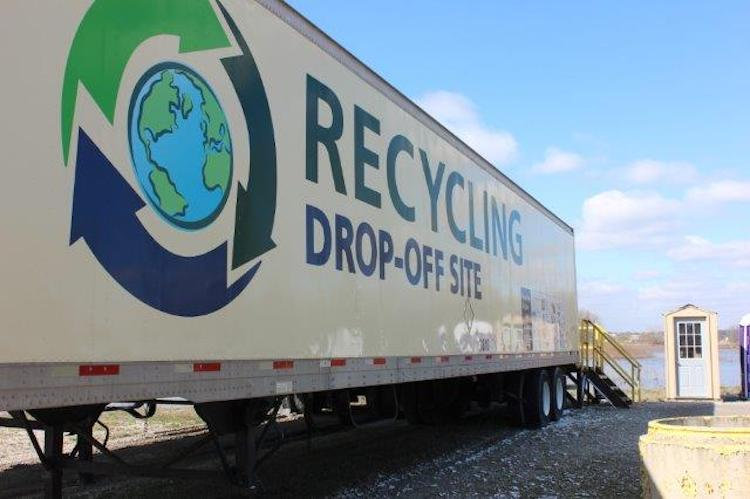 Allen County offers residents free community recycling.
