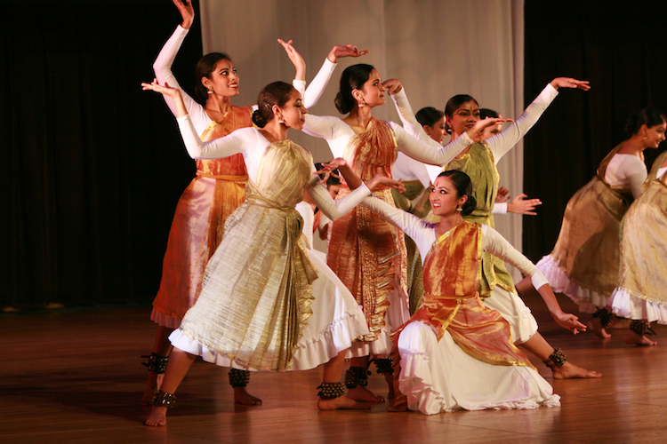 Shruti dancers perform in traditional dress.